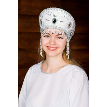 Кокошник «Виктория» белый для русских народных танцев